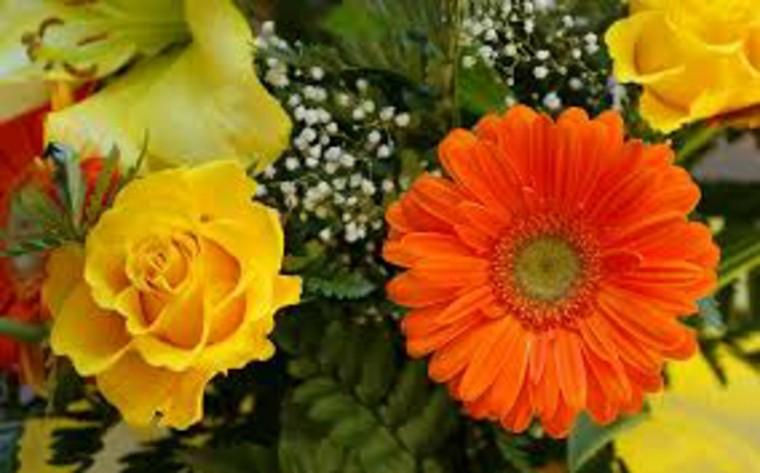 rosa amarilla calendula naranja ramo