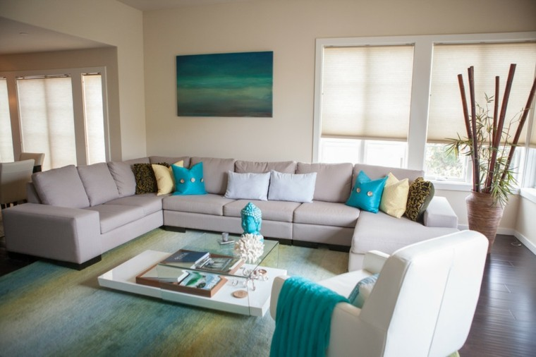 Sala de estar para apartamento de soltero todo un lujo for Colores decoracion salas pequenas