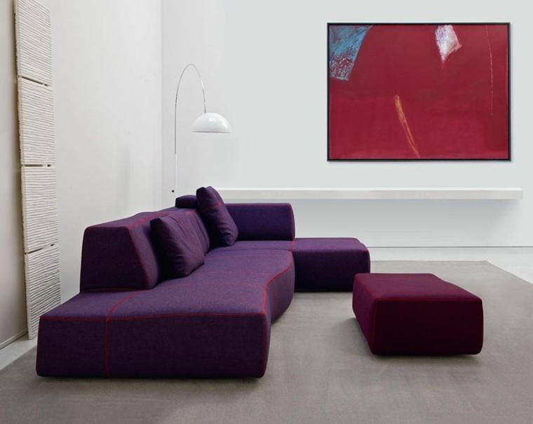 salon estilo minimalista sofa morado