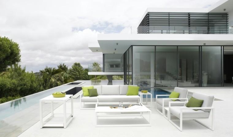 salones jardin mesa terraza piscina