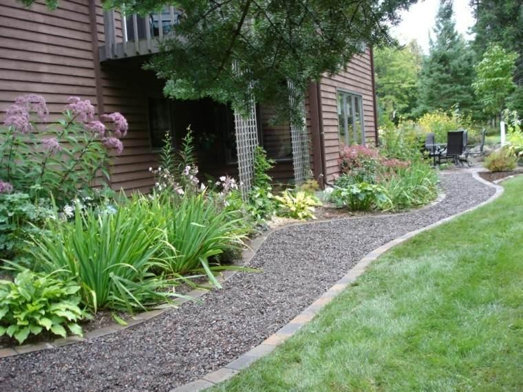 senderos jardines casa diseño mantillo oscuro