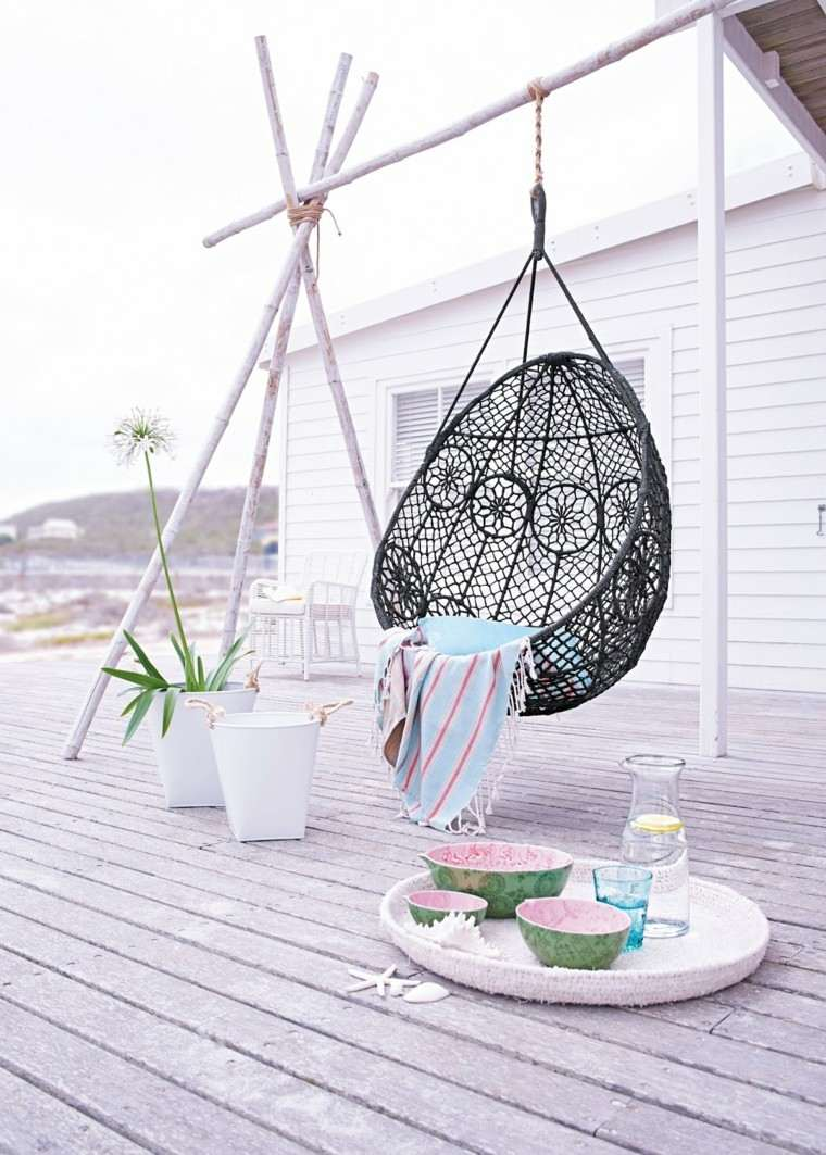 sillas colgantes rattan negro jardin ideas moderno