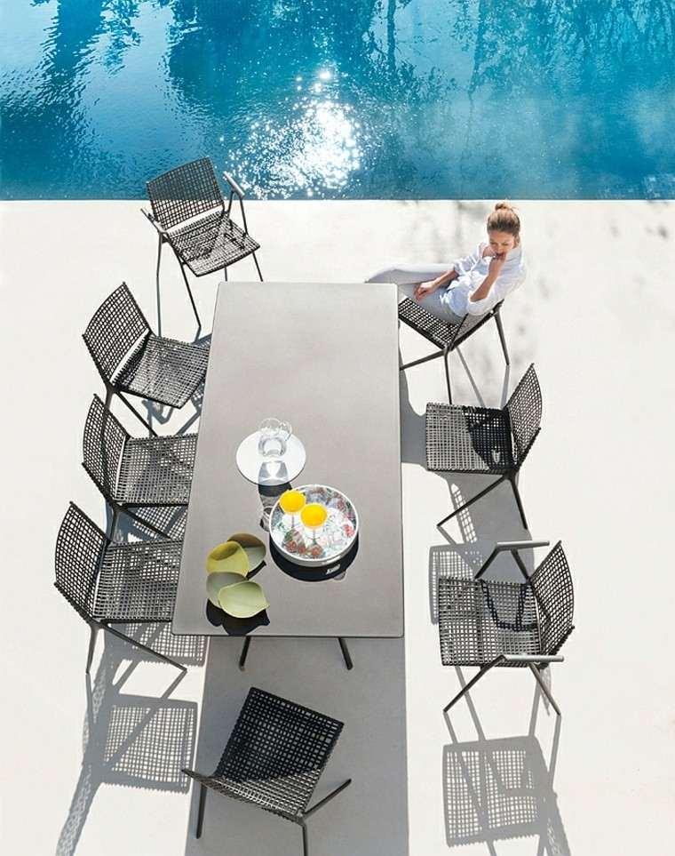 sillas decoracion elegante piscina moderna estilo minimalista