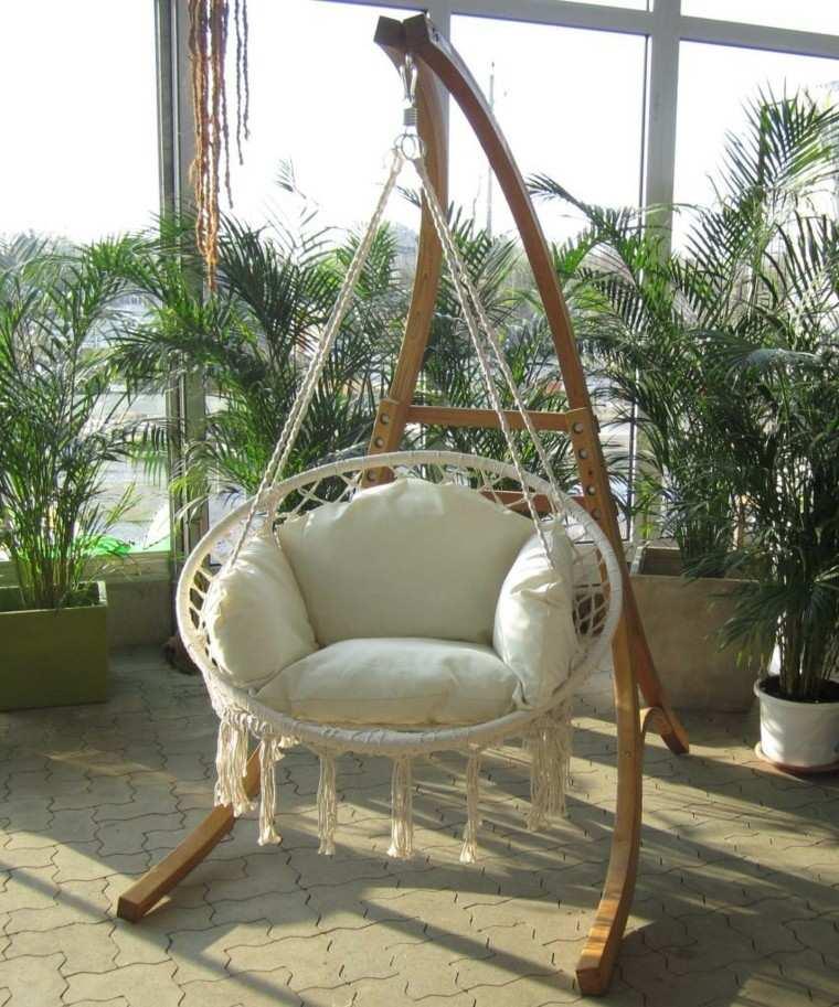 sillones colgantes jardín comodos cojin blanco ideas