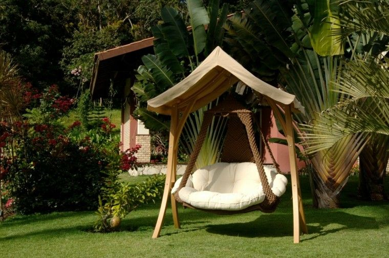 Sillones colgantes de jard n terraza o patio for Sillones de jardin de madera