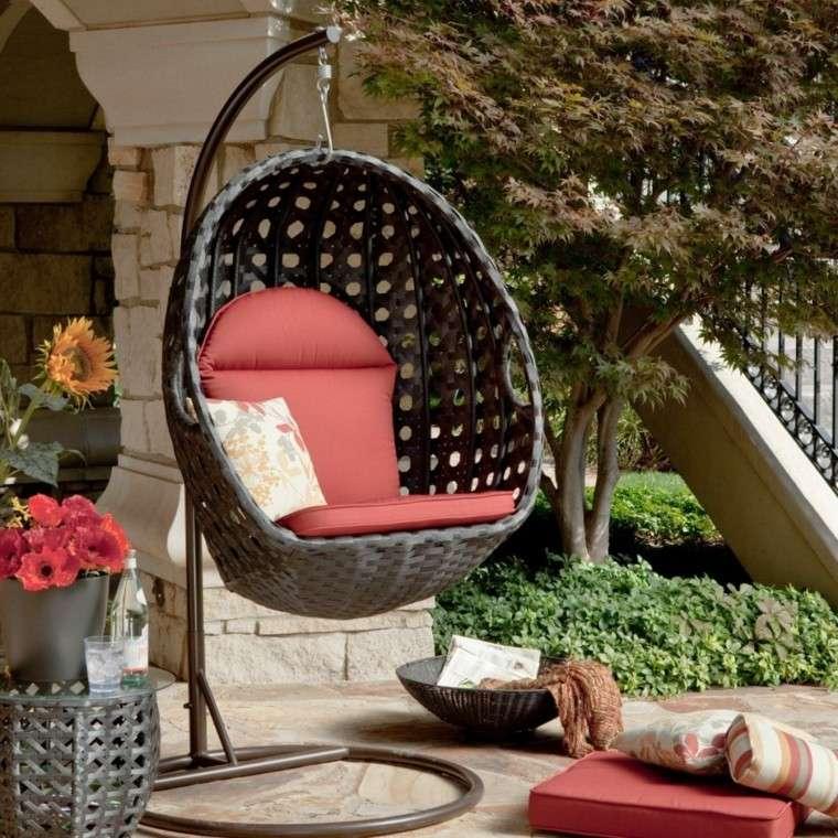 sillones colgantes de jardín rattan ideas balanceante rojo