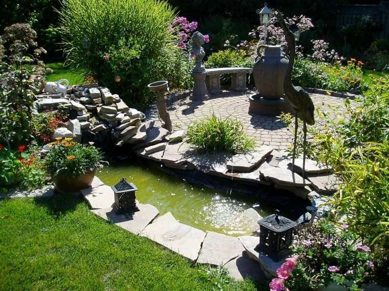 simple creativo jardin esculturas estanque