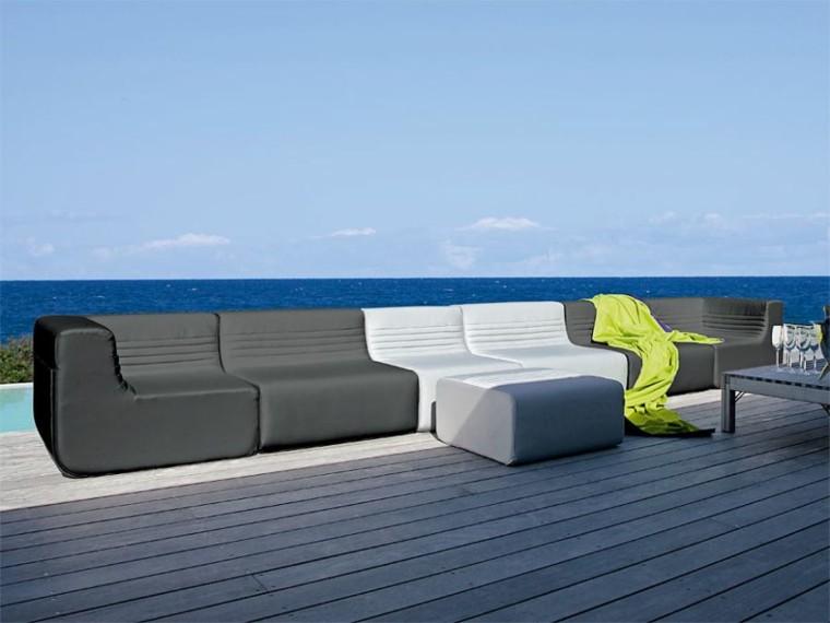 Sillones y sof s para exteriores rel jese en su jard n for Sofa exterior hipercor