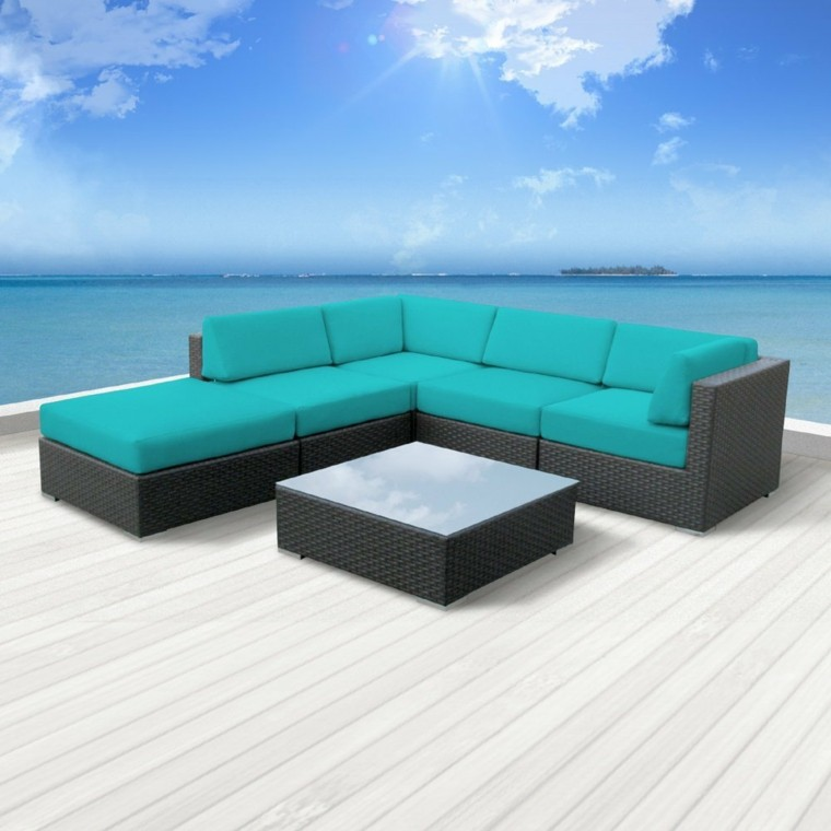 sofa mimbre oscuro cojines celeste