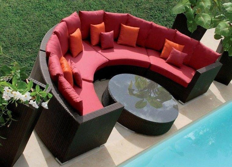 sofa mimbre semicirculo cojines rojo