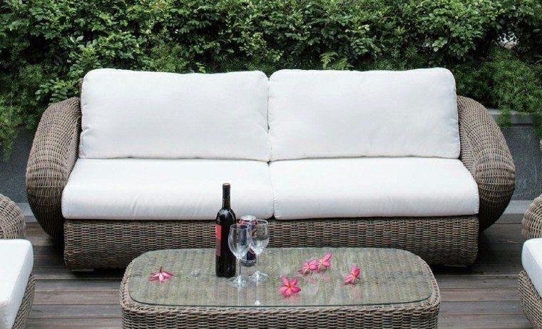 Canapes sof s y sillones de exterior para el jard n for Sofa mimbre terraza