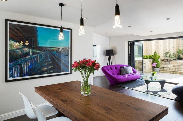 sofas modernos cuadros madera mesa flores