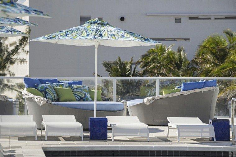 sofas redondos camas jardin azul