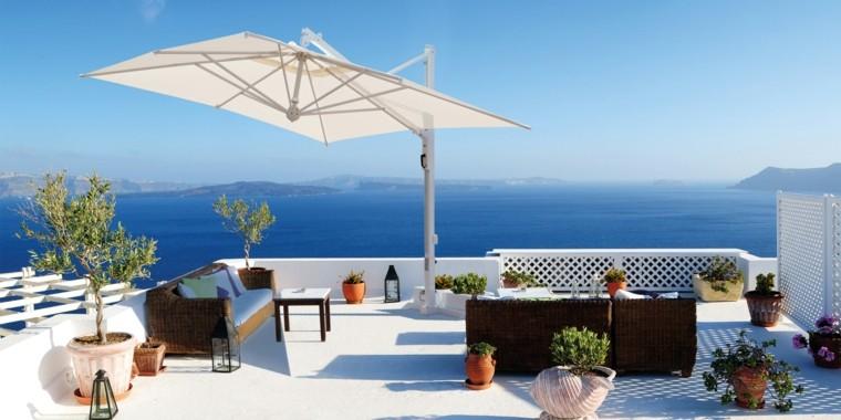 sombrilla blanca grande protege muebles terraza ideas