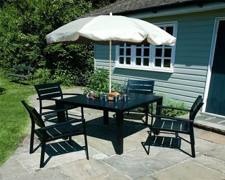 Parasoles jardin, sombras refrescantes para el verano