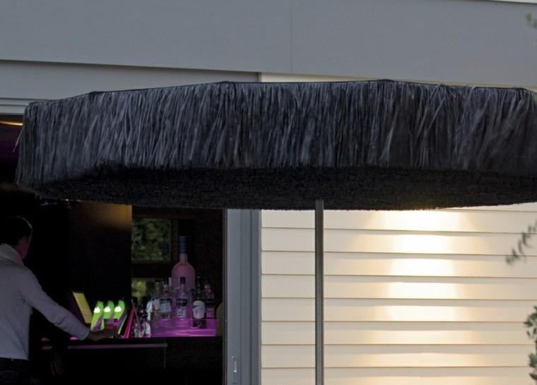 sombrilla negra flecos diseño