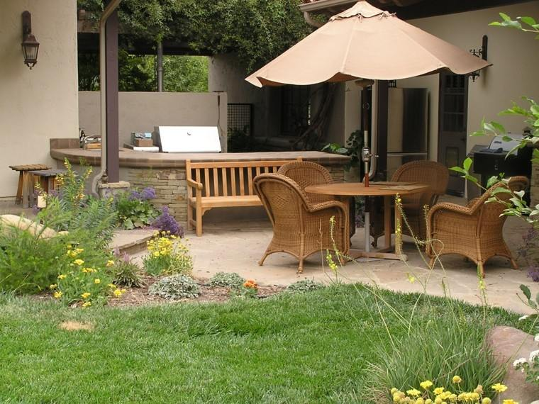 sombrilla patio muebles banco madera beige ideas