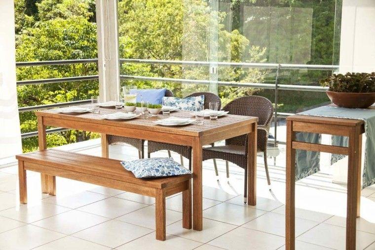terraza mesa banco madera sillas cojin aire libre