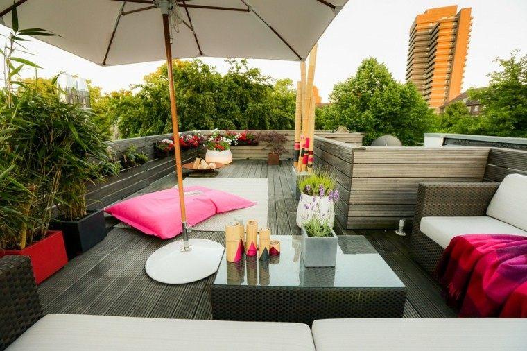 terraza moderna madera sombrilla blanca ideas modernas