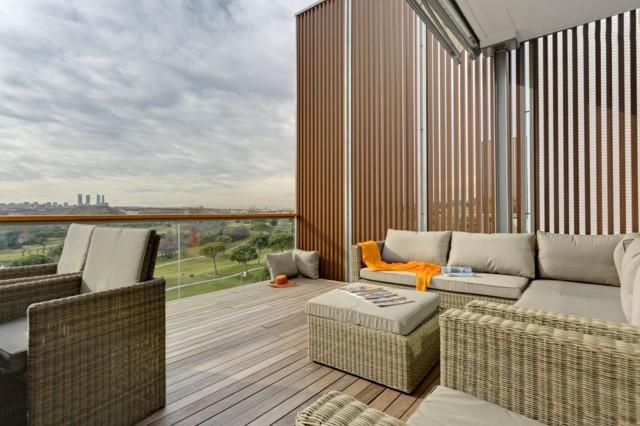 terrazas amplias suelo moderna madera muebles comodos