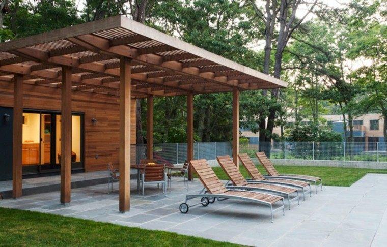 21 awesome pergolas de madera con enredaderas for Pergolas de hierro para jardin