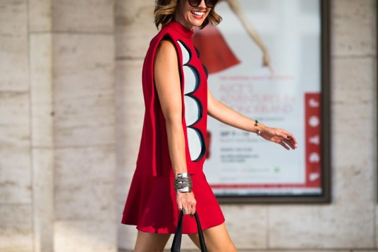 vestido corto ancho rojo recortado