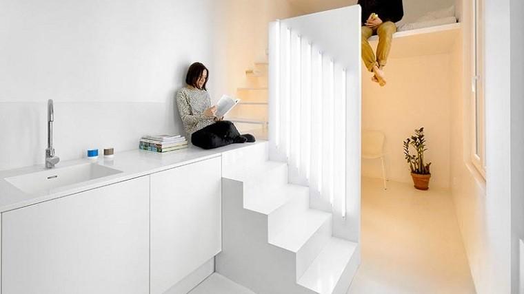 escalera blanca falta de muebles ideas minimalistas blanco