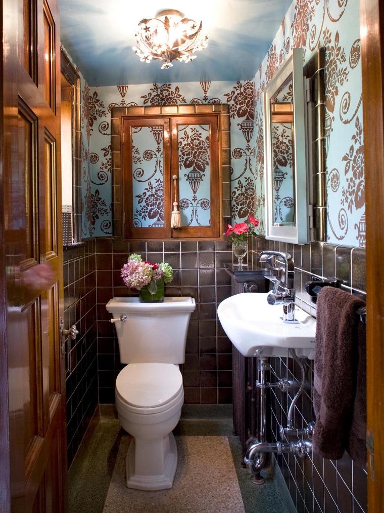 Joni Spear bano pequeno diseno flores papel pared decorativo ideas