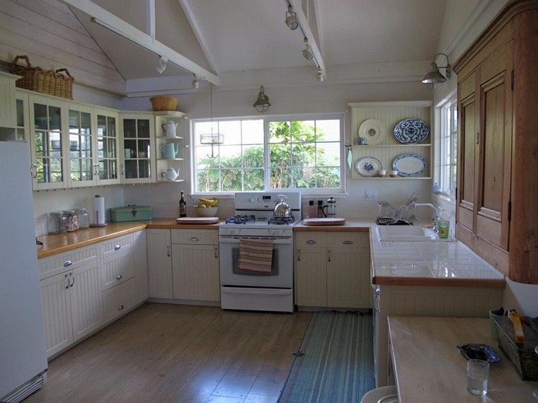 Melissa Newirth muebles vintage cocina armarios ideas
