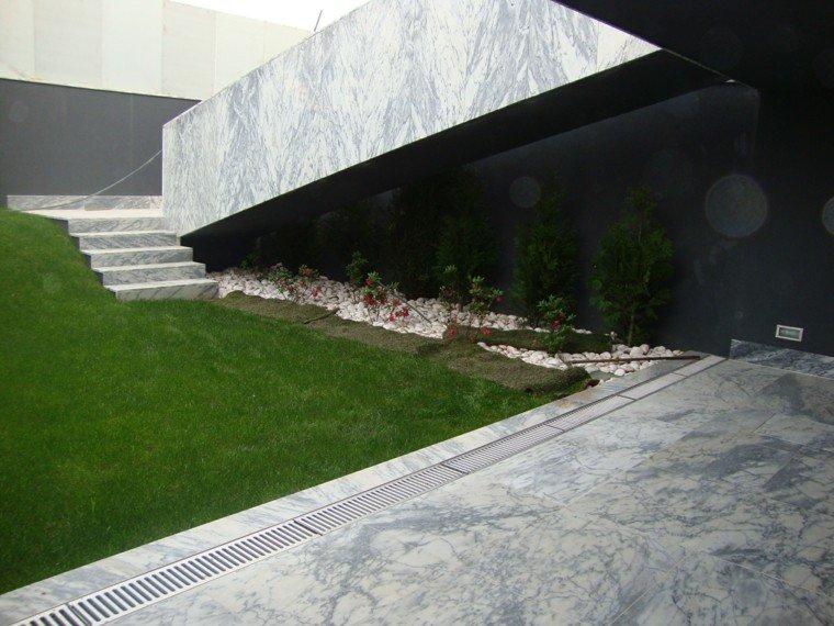 acabado marmol escaleras exteriores jardin