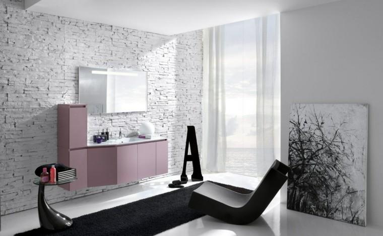 accesorios baño pared baldosas blancas butaca negra ideas