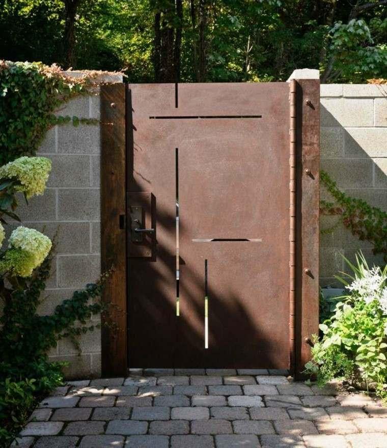 acero oxidado puerta entrada casa camino pavimento ideas