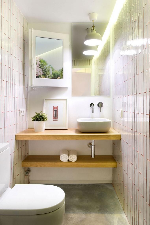 baño blanco azulejos ventana aseo