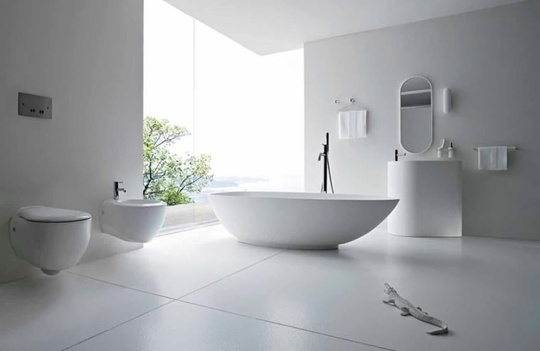 baño estilo moderno todo blanco