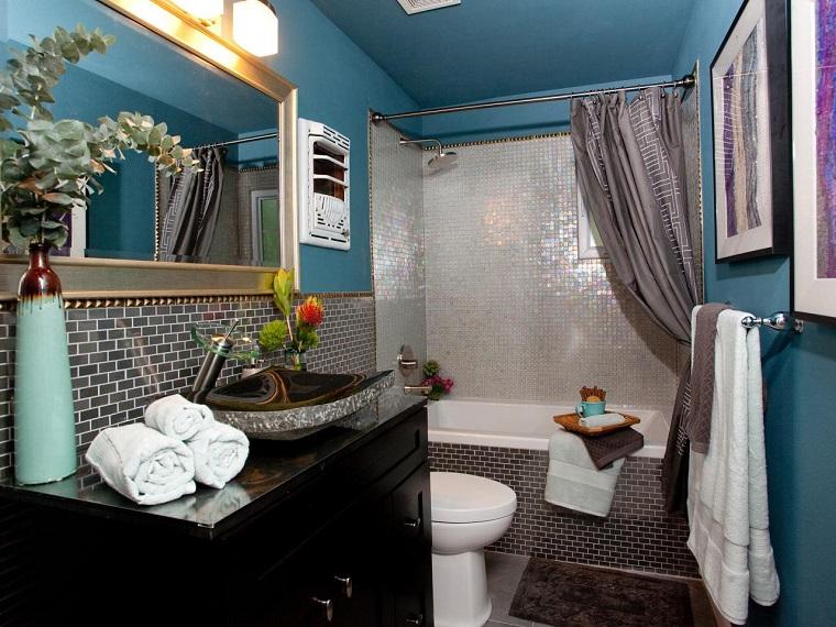 banos pequenos jaron azulejos varios colores lavabo negro ideas