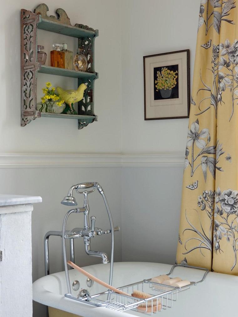 Estanterias Para Baños Originales:baños pequeños modernos estanterias colgada pared cortinas amarillas