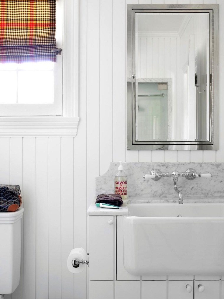 baños pequeños modernos lavabo marmol pared madera blanca ideas