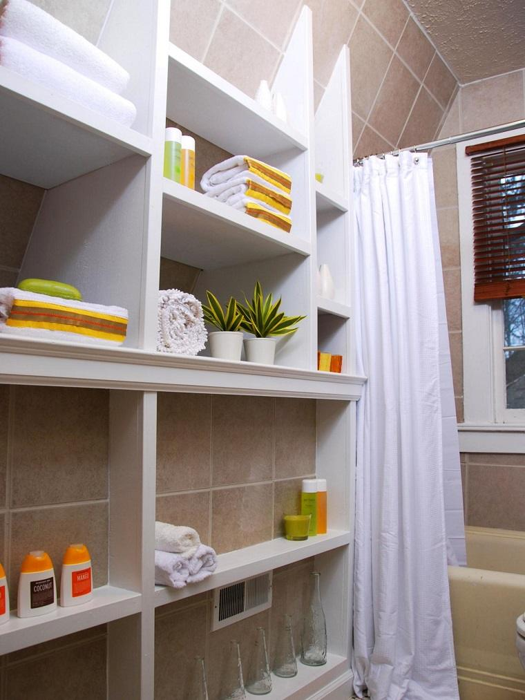 Ba os peque os modernos con decoraci nes originales for Bathroom shelving ideas for small spaces