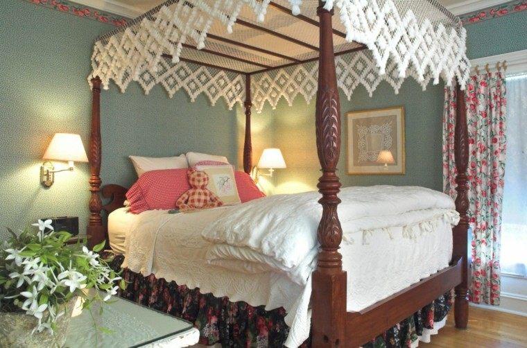bonita cama madera maciza lacada