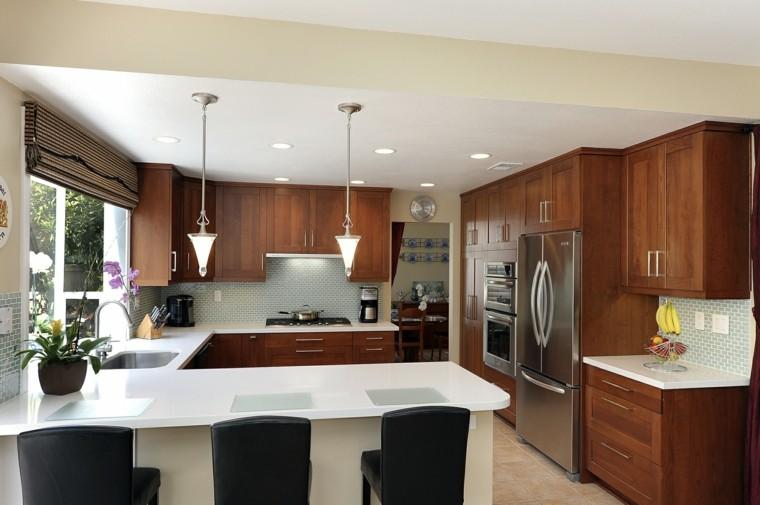 Blanco y madera cincuenta ideas para decorar tu cocina for Small u shaped galley kitchen designs