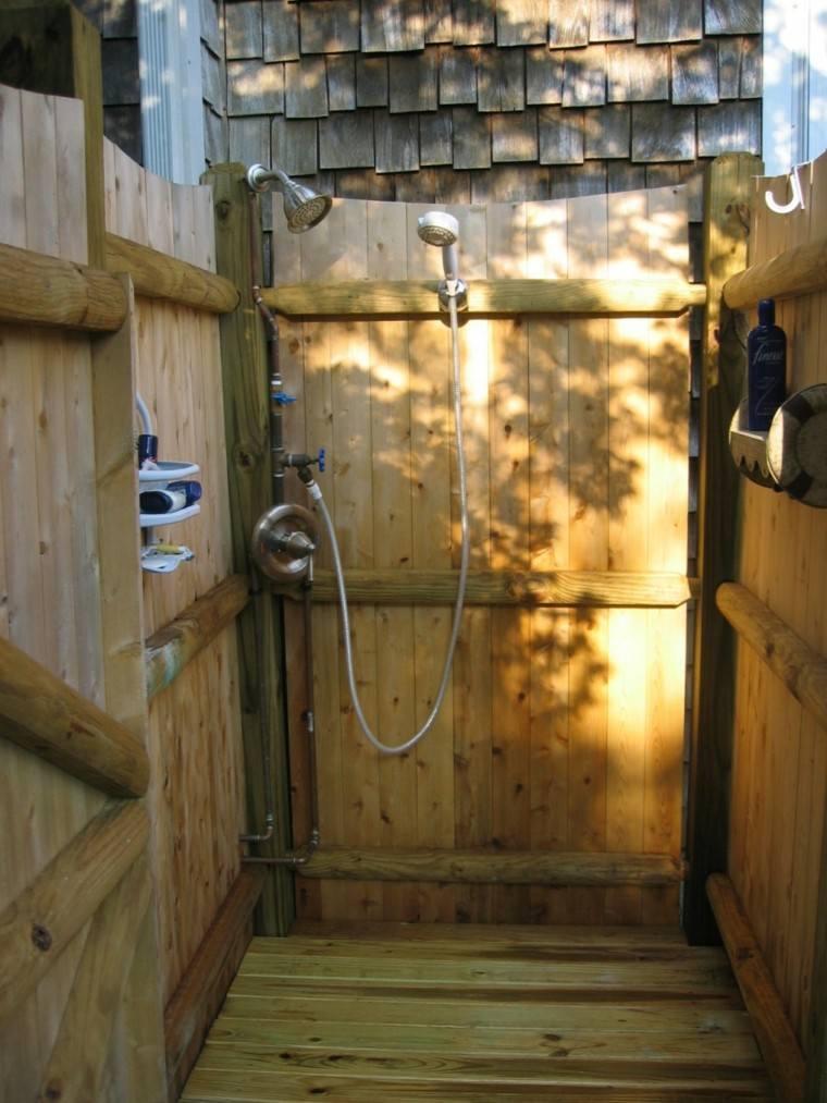 cabina ducha listones madera jardin