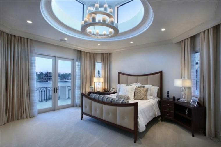 cama elegante respaldo techo lampara ideas