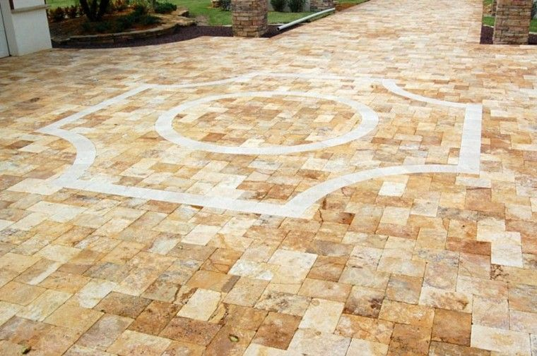 camino dorado travertino suelo patio