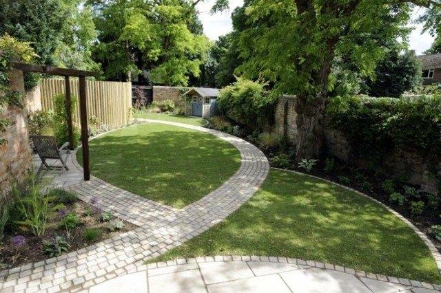 caminos curvados piedra diseño jardin