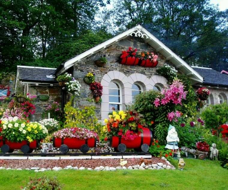 cargado exceso rojo jardin cesped