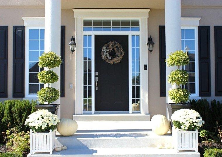 Decoracion personaliza la entrada principal de tu hogar for Banco para entrada de casa