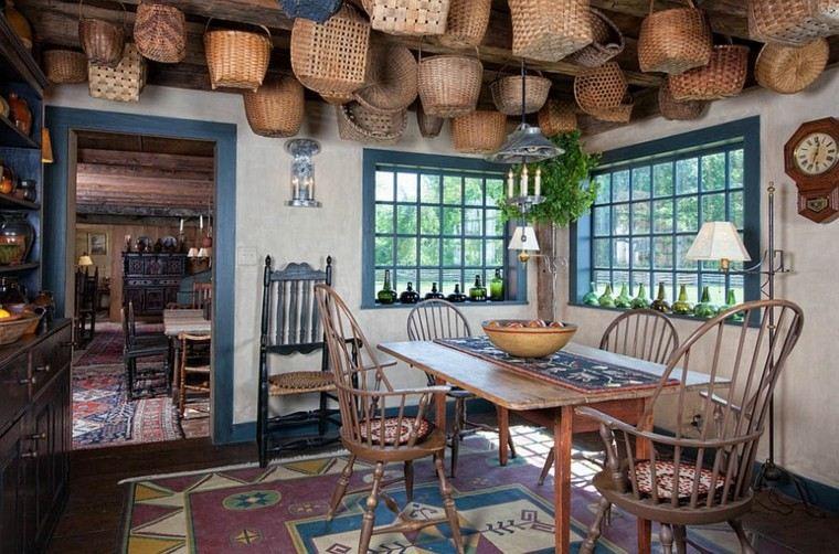 casa comedor cestas granja techo