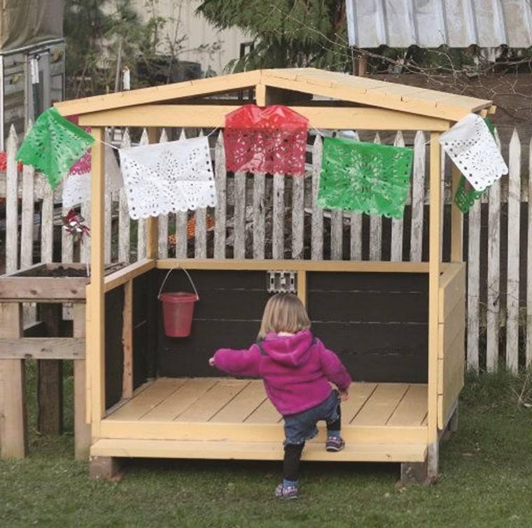 casa ninos juegos palets patio jardin