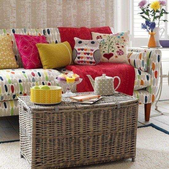 cesto grande sofa colore cojines salon moderno