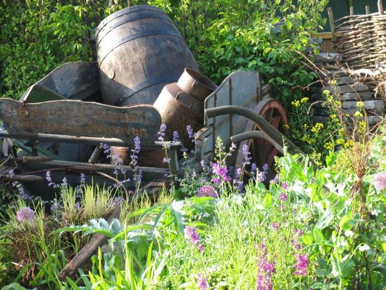 chatarra vieja decorativa jardin